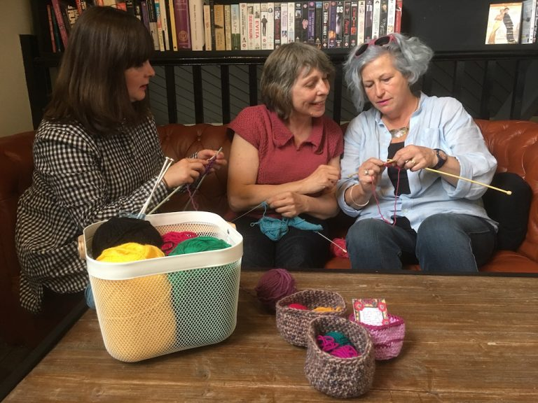 Teaching knitting