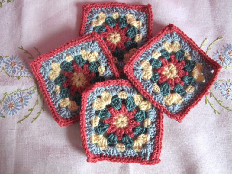 Floral granny square in flame colourway