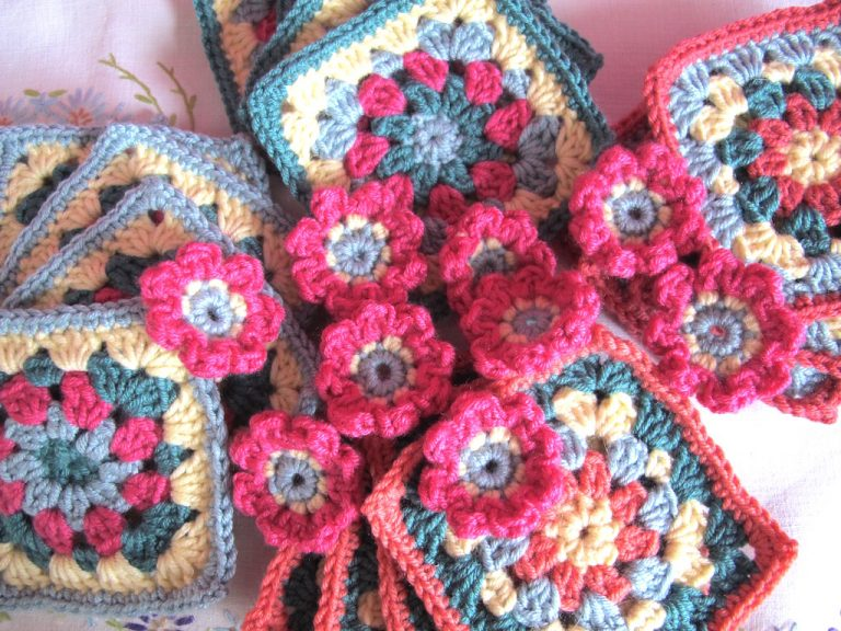 Floral squares and little flowers