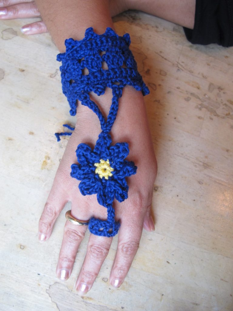 floral hand/wrist/ring crochet cuff