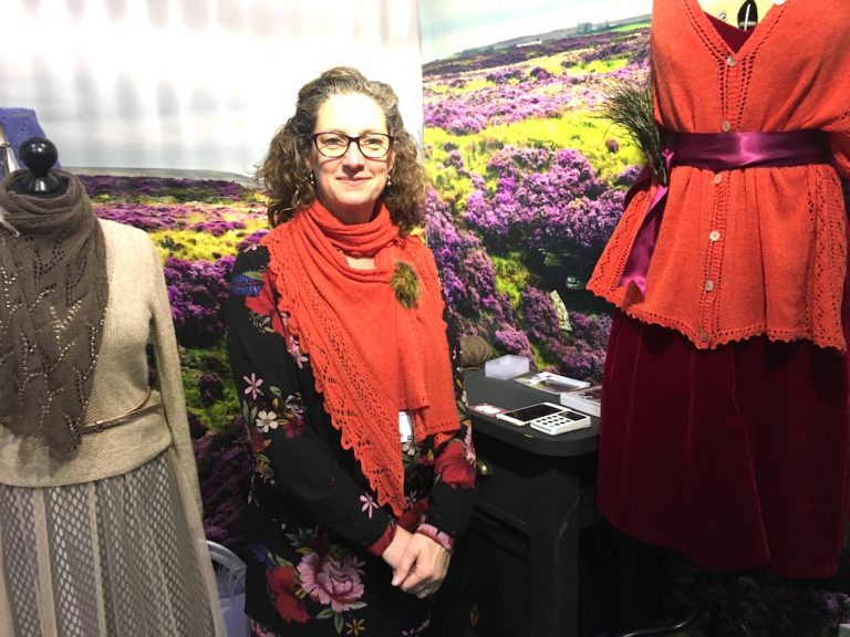 Louisa Harding on Yarntelier stand