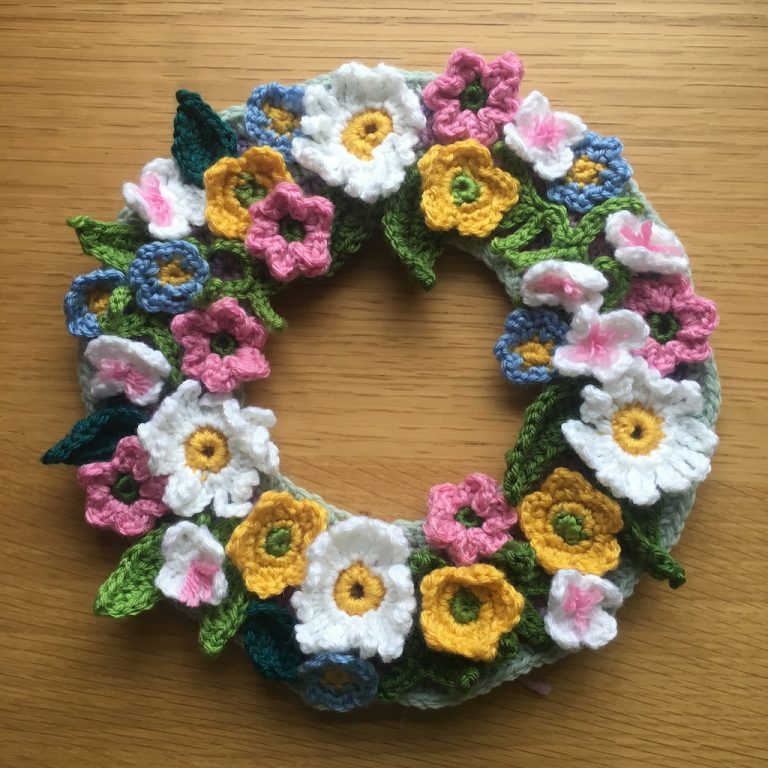 Crochet springtime floral wreath project
