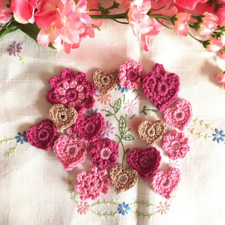 hearts and flowers in crochet
