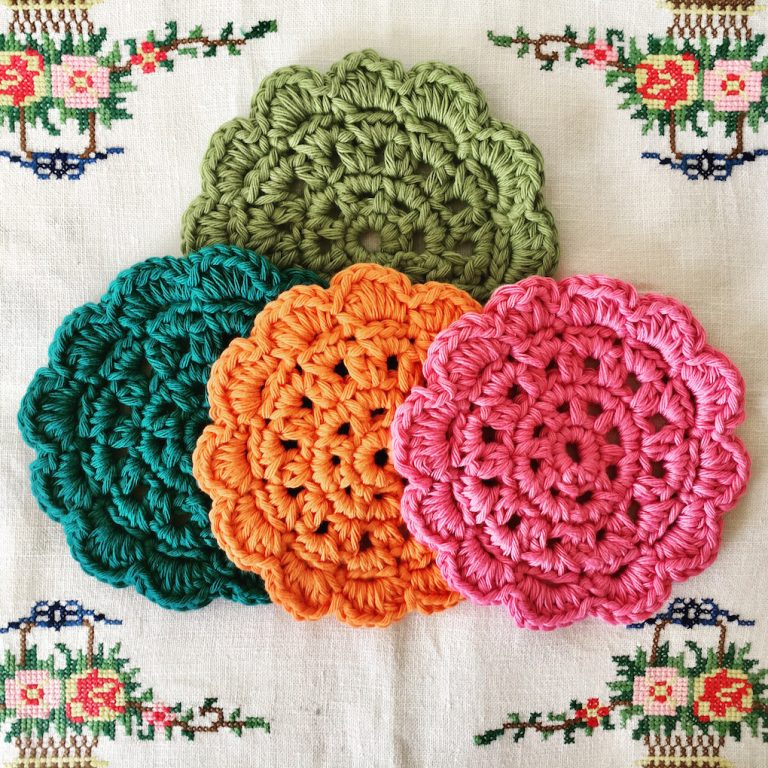 retro crochet coaster set
