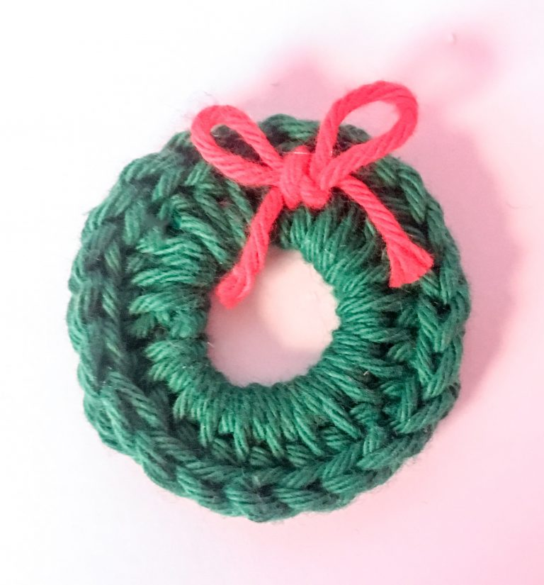 crochet wreath applique