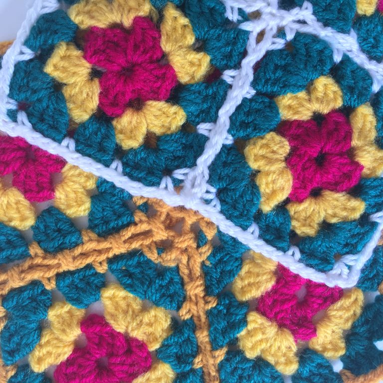 Examples of joining granny squares in crochet