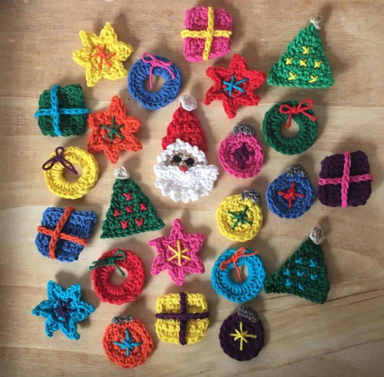 crochet decorations for Advent calendar