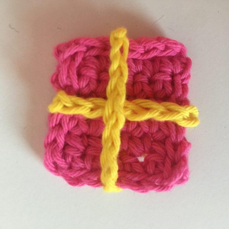 crochet parcel applique