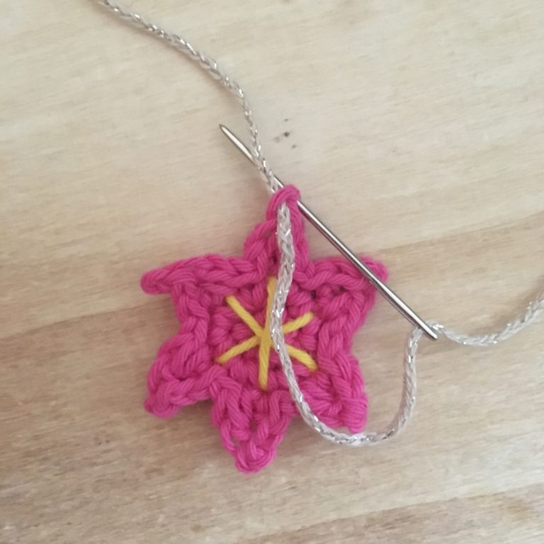 Hanging loops for top of crochet motifs