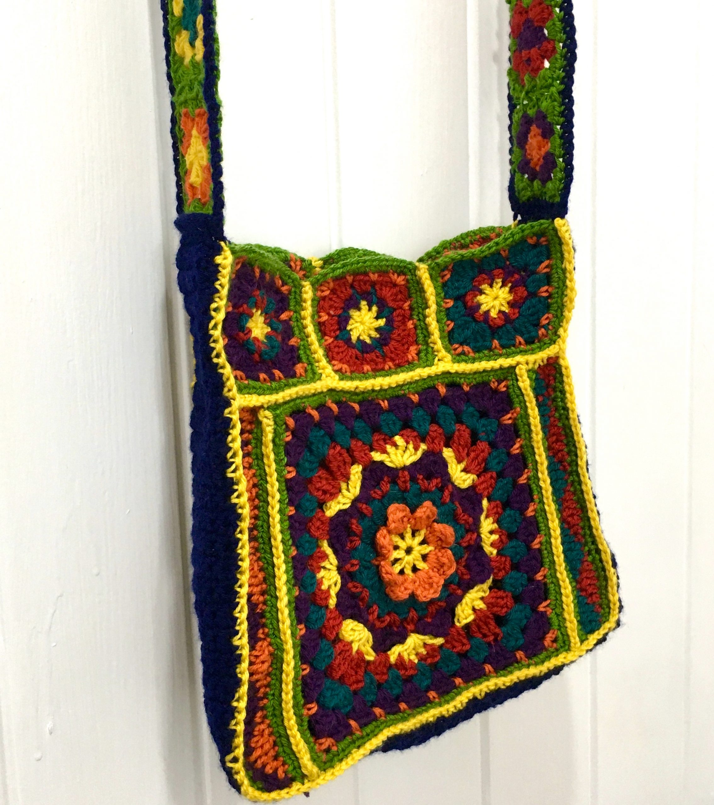 GRANNY-square bag on door